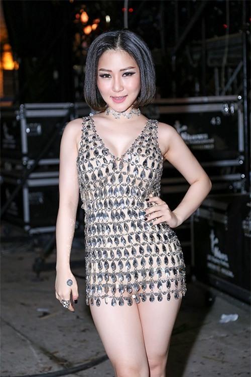 Lao đao vì váy ngắn không chỉ có Bảo Anh mà còn có rất nhiều sao Việt khác nữa - Ảnh 7.
