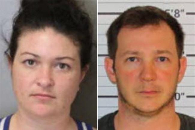 Bé gái 9 tuổi tố bố mẹ bắt uống nước bồn cầu, ngủ trong bồn tắm nhưng lời khai của nghi can lại đầy mâu thuẫn - Ảnh 1.