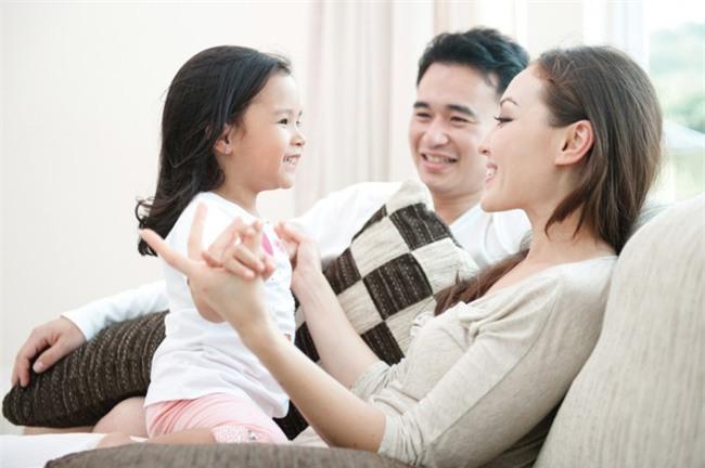 Bố ơi đừng xem điện thoại thoại nữa: Lời khẩn cầu của con, bố mẹ cần tự vấn lương tâm - Ảnh 3.
