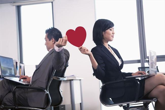 Đôi khi vợ phải dặn chồng: Chốn công sở, anh chỉ cần tốt vừa thôi chứ đừng tốt quá không các cô lại hiểu lầm - Ảnh 2.