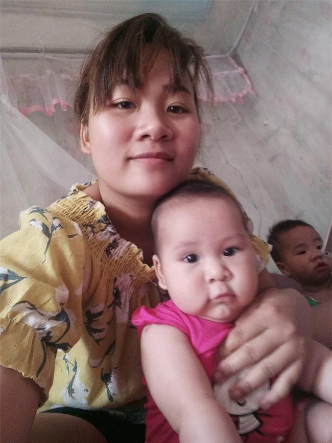 Hình ảnh mẹ trẻ 4 năm mổ 3 đứa con, tăng cân vùn vụt đến mất hết cả dáng khiến người xót kẻ chê - Ảnh 1.