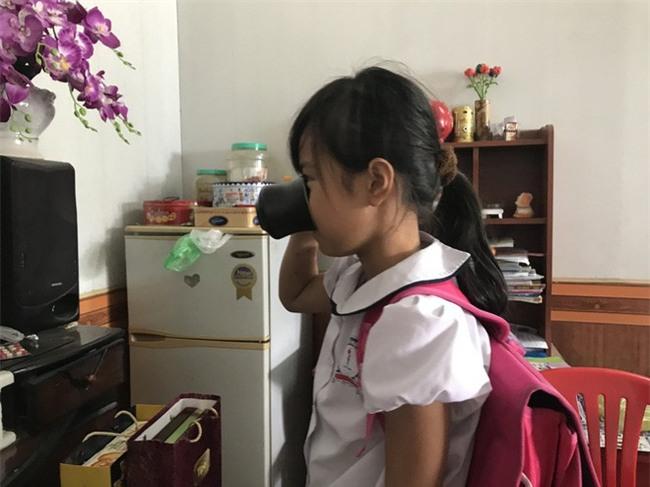 Chồng nữ giáo viên ép học sinh uống nước giẻ lau bảng lên tiếng - Ảnh 3.