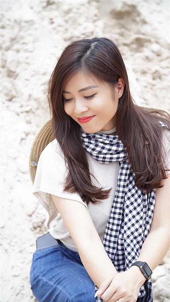 Nữ MC xinh đẹp của Đài Truyền hình Việt Nam Nguyễn Hoàng Linh (SN 1985) được nhiều người yêu mến bởi cách dẫn dắt chương trình tự nhiên, thông minh, duyên dáng.