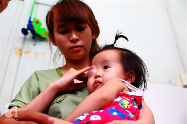 13 tháng trời, đôi vợ chồng nghèo Cà Mau gõ cửa 12 bệnh viện để tìm ra bệnh cho con - Ảnh 5.