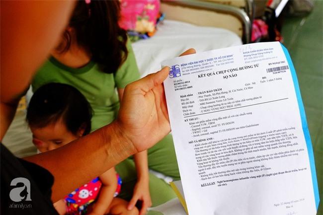 13 tháng trời, đôi vợ chồng nghèo Cà Mau gõ cửa 12 bệnh viện để tìm ra bệnh cho con - Ảnh 8.