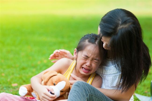 Muốn kỷ luật trẻ hiệu quả mà không đòn roi, bố mẹ nhất định phải tuân thủ 4 nguyên tắc này - Ảnh 2.