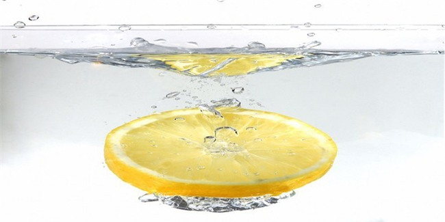 Chuyên gia dinh dưỡng trả lời về việc uống nước chanh buổi sáng có phải là tốt nhất-1
