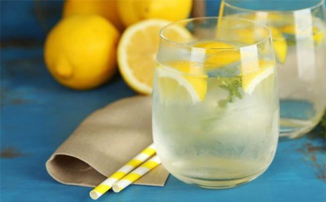 Chuyên gia dinh dưỡng trả lời về việc uống nước chanh buổi sáng có phải là tốt nhất-2
