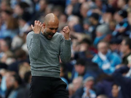 HLV Guardiola đau buồn sau trận thua ngược M.U - Ảnh 2.