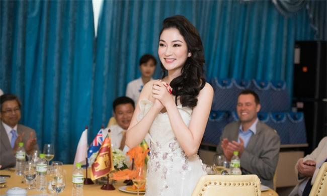 Giữa dàn Hoa hậu xinh đẹp và giỏi giang này, bạn sẽ chọn ai ngồi ghế giám khảo Hoa hậu Việt Nam 2018? - Ảnh 12.