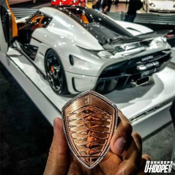 Chiếc chìa khoá có giá từ 5,7 tỷ đồng của siêu xe Koenigsegg Regera - 1