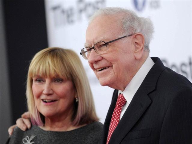 """Cuộc sống của """"cậu ấm cô chiêu"""" trong các gia đình tỷ phú giàu nhất thế giới - Ảnh 12."""
