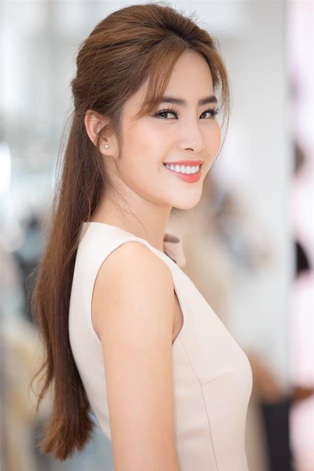 3 người đẹp sàn sàn tuổi Kỳ Duyên, Angela Phương Trinh và Nam Em: sau những nghi án thẩm mỹ liên tiếp, hiện giờ nhan sắc ra sao-29