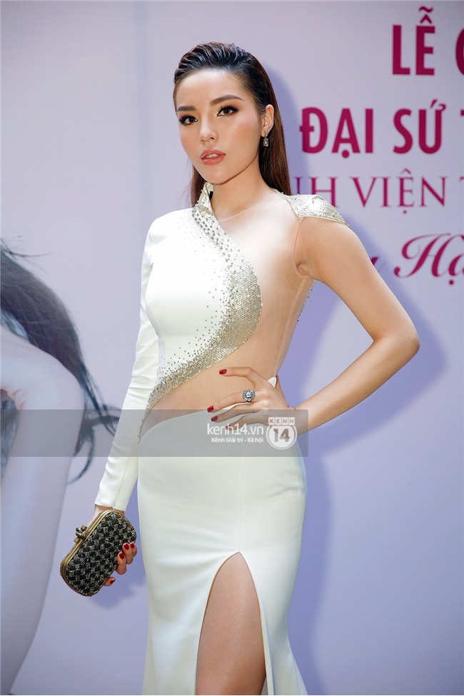 Hoa hậu Kỳ Duyên thừa nhận dao kéo vòng 1, lần đầu lên tiếng về mối quan hệ với tình cũ Angela Phương Trinh