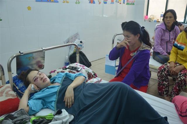 Vụ đánh phụ nữ vì vào sau, ăn trước: Gia đình sinh viên xin lỗi nạn nhân và Phó giám đốc Công an Đà Nẵng - Ảnh 1.