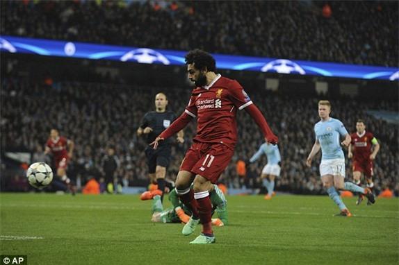 'Vua Ai Cap' toa sang, Liverpool tien Man City roi Champions League hinh anh 2