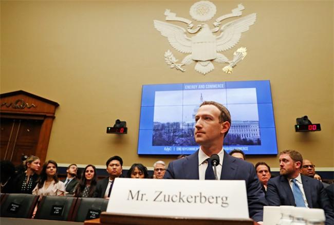 Mark Zuckerberg: Thong tin ca nhan cua toi cung bi lo hinh anh 1