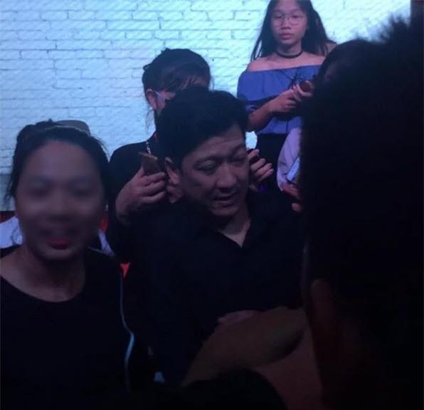 Sở thích ôm hôn đồng nghiệp nữ của Trường Giang đã thay đổi sau scandal với Nam Em? - Ảnh 16.