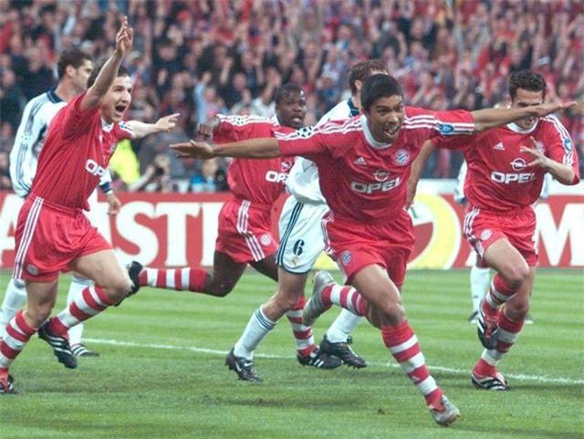Bayern Munich loại Real ở bán kết và lên ngôi vô địch Champions League 2001