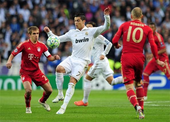 Ở bán kết Champions League 2012, Real Madrid thua Bayern Munich sau loạt đá luân lưu định mệnh