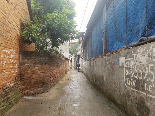 Rúng động: Nghi án mẹ ruột sát hại con trai 19 tuổi tại nhà riêng ở Hà Nội - Ảnh 1.