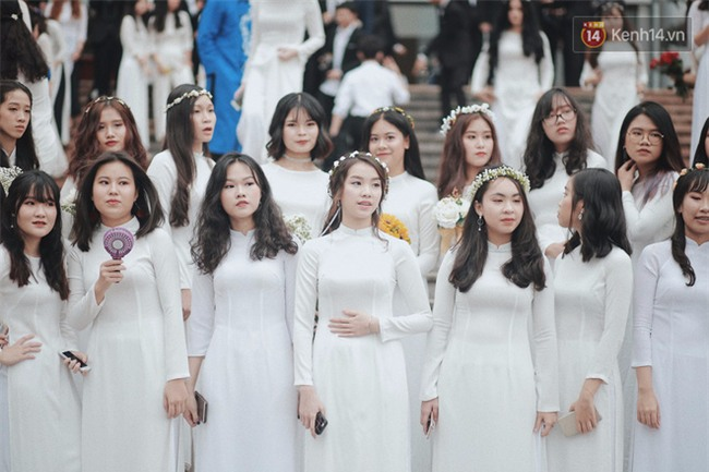 38% học sinh lớp 9 ở Hà Nội sẽ không có cơ hội vào lớp 10 các trường THPT công lập - Ảnh 2.