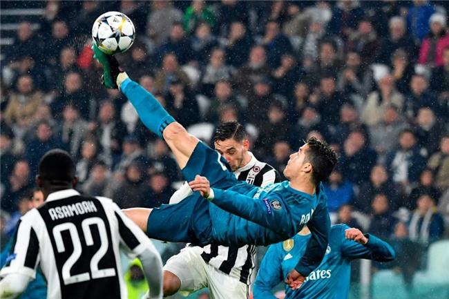 Ronaldo khoe bắp đùi cuồn cuộn cơ, sẵn sàng cho đại chiến với Bayern - Ảnh 2.