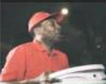 Sốc với cảnh vua bóng đá Pele đi bán bánh pizza