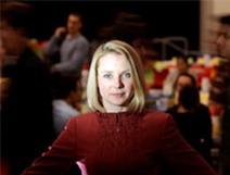 """Nữ tướng xinh đẹp của Yahoo nhận lương """"khủng"""" 300 triệu USD"""