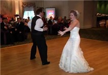 Cha & con gái biểu diễn kung-fu trong đám cưới