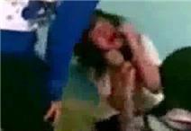 Phẫn nộ khi xem clip nữ sinh bị lột áo, bị đạp nhiều lần lần vào đầu