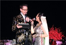 Đoan Trang và chú rể song ca hát mừng đám cưới