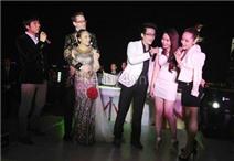 Sao Việt hát mừng đám cưới Đoan Trang