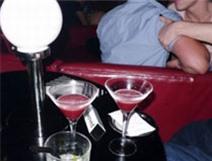 Mại dâm nam nguy hiểm hơn mại dâm nữ?