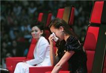 Hà Hồ lần thứ hai rơi nước mắt vì cháu gái Lam Trường