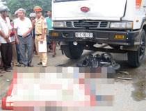 Bị đuổi đánh, 2 thanh niên lao vào xe tải chết thảm