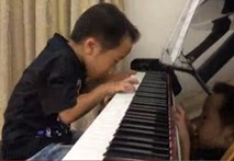 """Dân mạng phát sốt vì """"thần đồng piano"""" 5 tuổi"""
