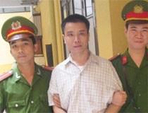 Hà Nội: Lái xe hất CSGT lên nắp capo bị kết tội giết người
