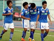 Bóng đá Việt khủng hoảng: Cho cầu thủ đi... bán vé?