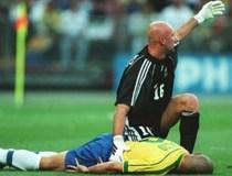 Ronaldo bán độ khiến Brazil mất chức vô địch World Cup?