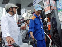 Không giảm giá xăng