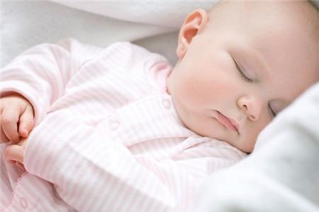 Cách giữ ấm cho bé khi ngủ ban đêm 1