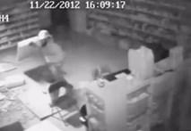 Clip hai tên trộm ngớ ngẩn nhất cuối năm 2012