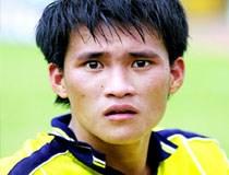 Cầu thủ Việt bán đồ đạc, nợ nần chồng chất
