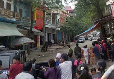 Vợ chủ tiệm vàng bị giết ở Lạng Sơn hoảng sợ trong viện