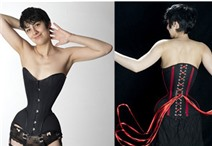 Mặc áo corset 3 năm để có vòng eo siêu nhỏ 40cm