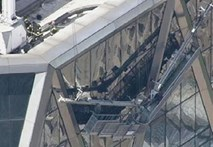Clip giải cứu 2 công nhân mắc kẹt ở độ cao 152m