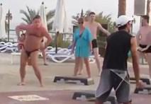 """Anh chàng béo tập thể dục """"siêu hớn"""""""