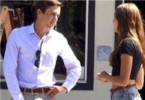 """Video: Cô gái ra đường mời trai lạ làm """"chuyện ấy"""" với mình"""
