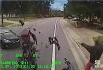 Ô tô qua đường không quan sát gây tai nạn kinh hoàng